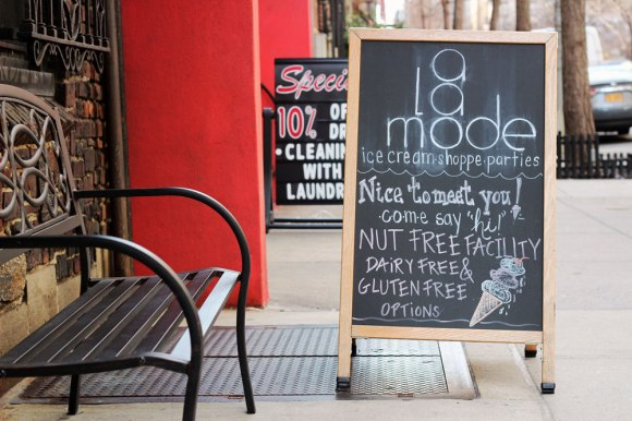Signage outside A La Mode Shoppe