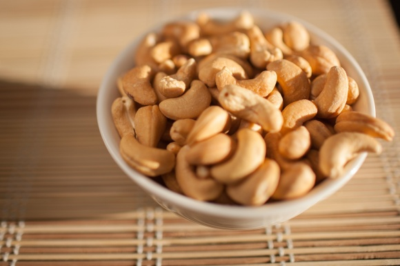 caju_bowl_of_cashews.jpg